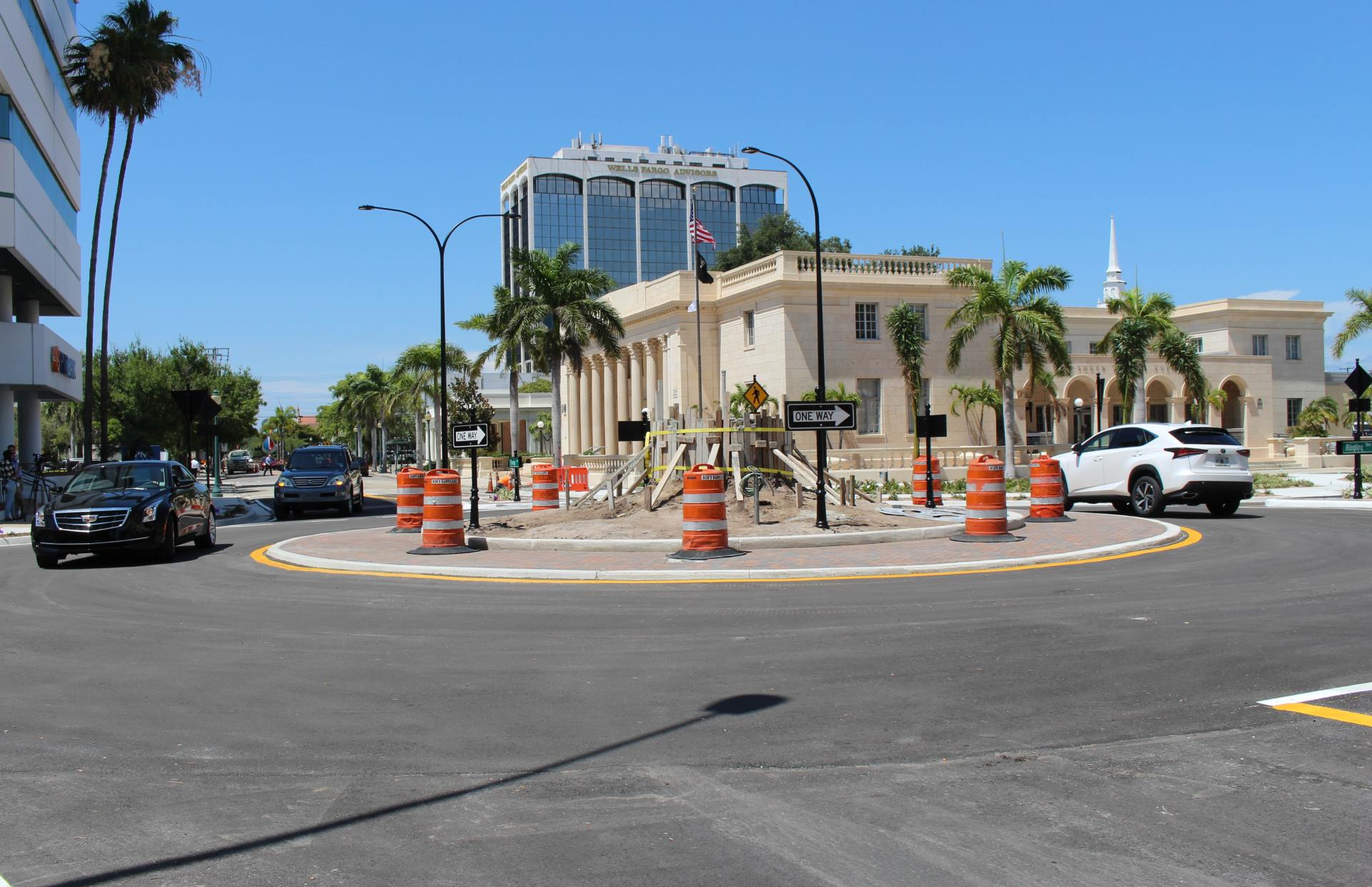 Ringling/Orange roundabout opens